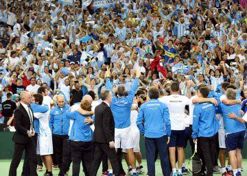 Desde Maradona a Macri, la primera Davis desata la euforia argentina
