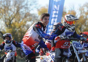 Márquez da clases de motocross y enseña disciplina en Rufea