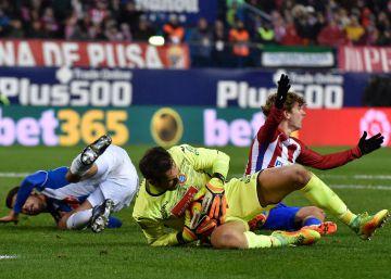 El Espanyol fuerza otro paso atrás del Atlético