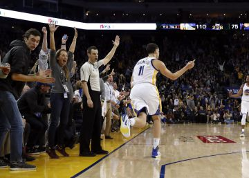 Klay Thompson anota 60 puntos en 29 minutos