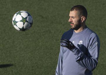 Zidane arropa a Benzema