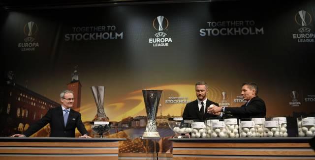 Un instante del sorteo de la Europa League celebrado en la localidad suiza de Nyon.