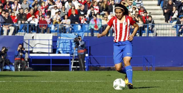 Kenti Robles durante un partido del Atlético.