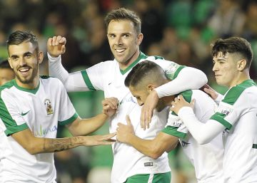 Andalucía despide a Marchena ante una selección de la Liga