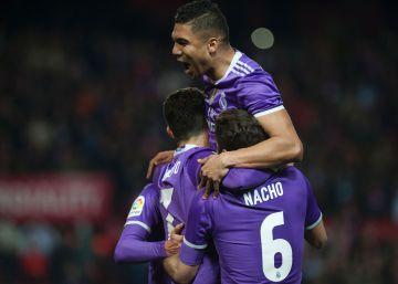Jugadores del Real Madrid celebrando un gol.