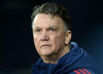 Van Gaal aclara que aún no se ha retirado