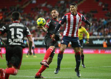 Los Xolos se quedan la victoria frente a Chivas con un latigazo