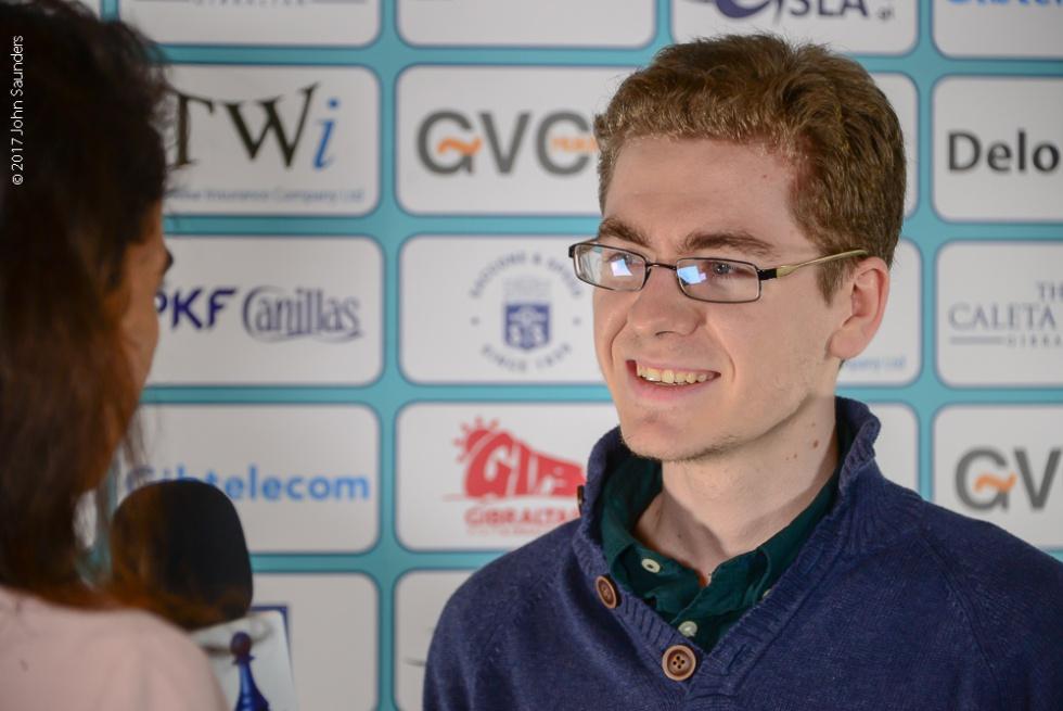 David Antón durante una entrevista tras vencer a Topálov