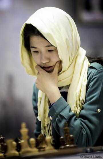 La china Ni Shiqun, de 19 años, durante la segunda eliminatoria del Mundial de Teherán