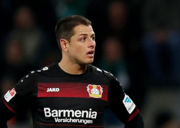 Chicharito y el Leverkusen no levantan