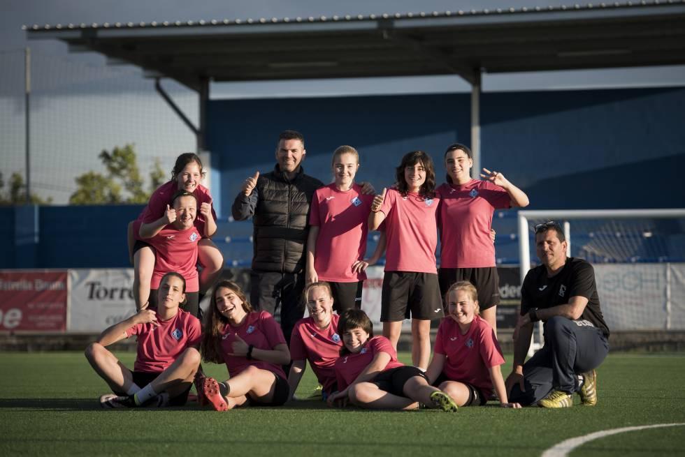 Parte del equipo de la AEM Lleida, con Sergio González, el presidente y Dani Rodrigo, entrenador.