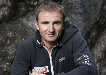 Mor l'alpinista Ueli Steck després de patir un accident a l'Everest