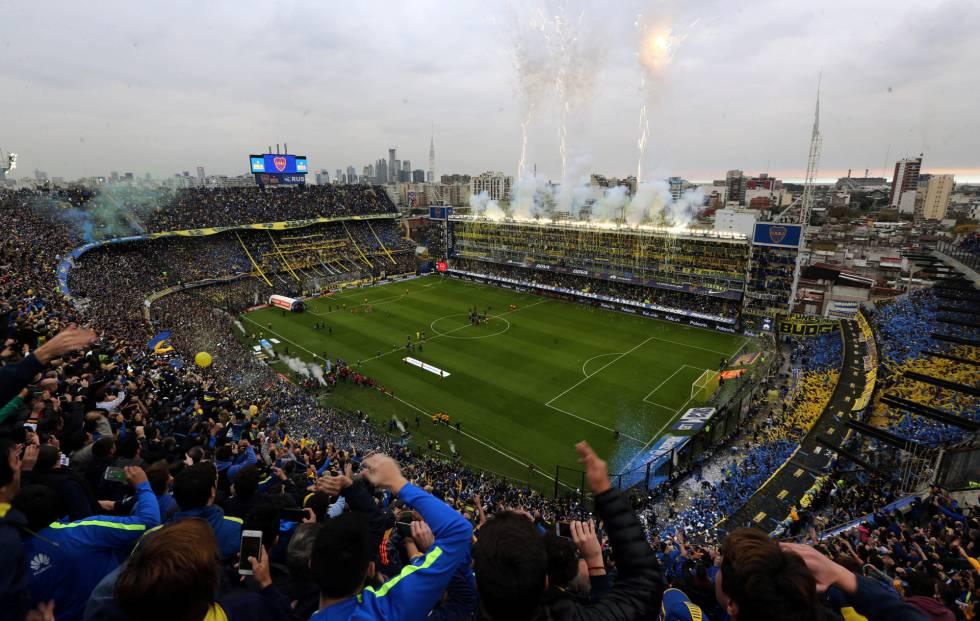La Bombobera de Boca Juniors durante el superclásico