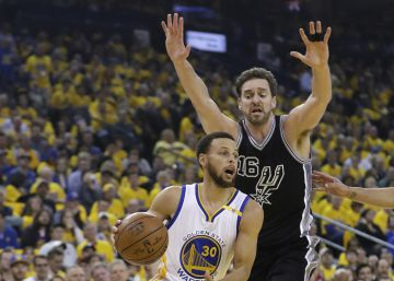 Los Warriors caricaturizan a los Spurs