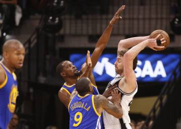 Los Spurs languidecen ante los Warriors