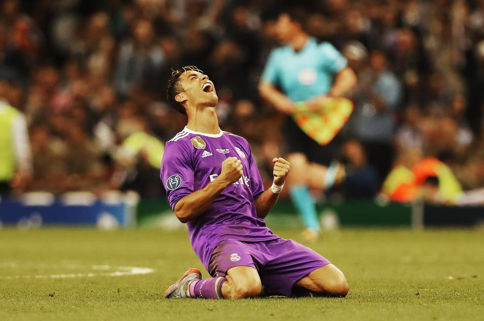 Cristiano Ronaldo celebra su tercera Champions con el Real Madrid.