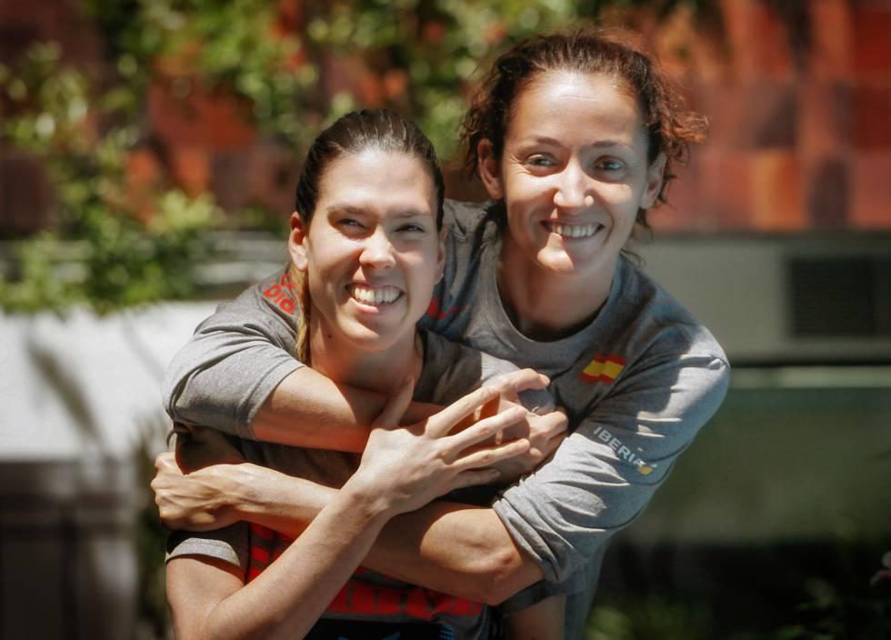Anna Cruz y Laia Palau, antes de partir al Eurobasket
