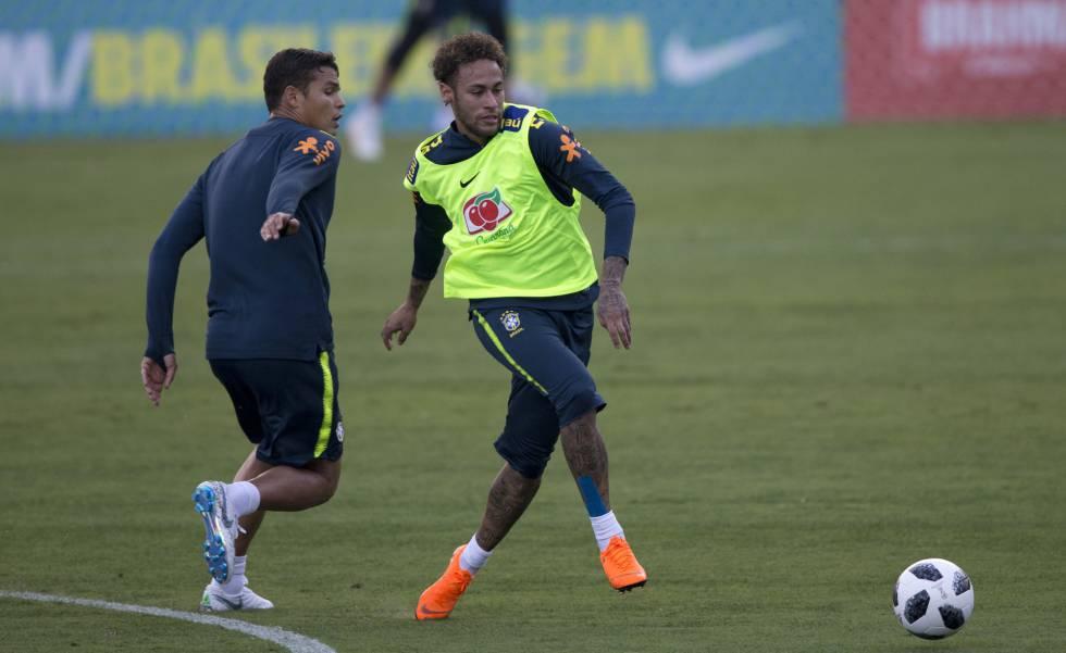 Neymar evoluciona favorablemente de su lesión