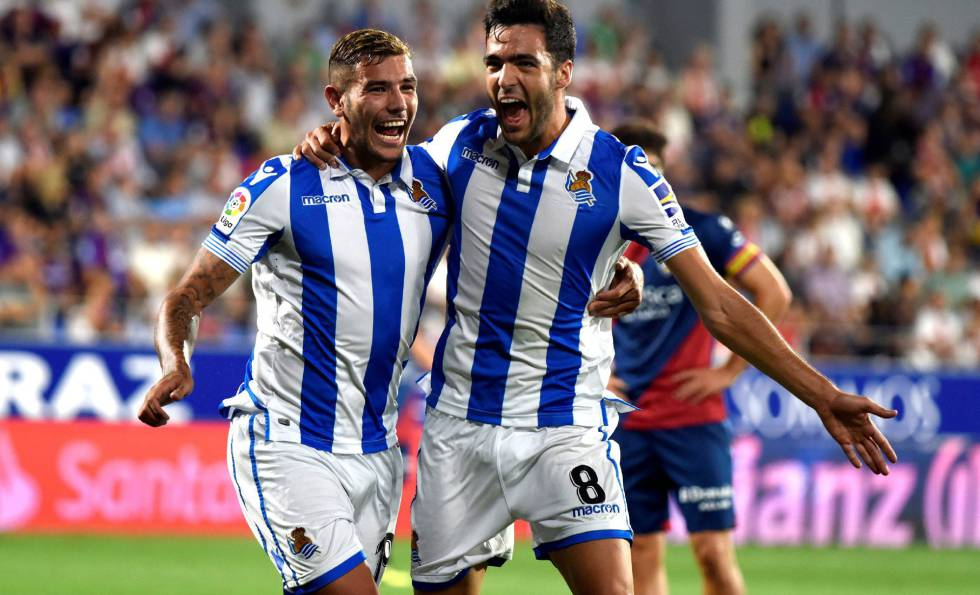 Real Sociedad superó a Huesca terminando con nueve hombres en cancha