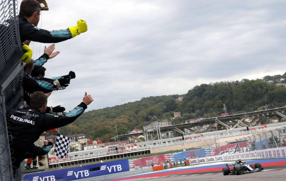 A un paso del Penta: Lewis Hamilton ganó en Suzuka - Deportivo