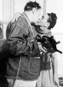 Frida y Diego, en la casa de San Ángel, en una fotografía de Nickolas Muray (1938).