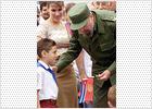 Elián González vuelve a participar en un acto político de Fidel Castro