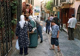 Una calle del barrio granadino del Albaicín.