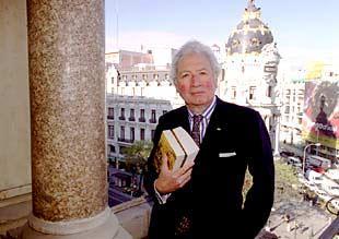 El historiador Hugh Thomas, en una terraza del Círculo de Bellas Artes de Madrid.
