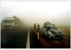La densa niebla provoca una colisión en cadena de 23 vehículos en Lleida
