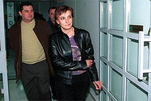 La profesora Francisca Urbano, ayer, en los pasillos de los juzgados de lo social de Málaga.