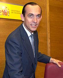 Estanislao Rodríguez Ponga, secretario de Estado de Hacienda, antes de la rueda de prensa de ayer, 24 de abril de 2002