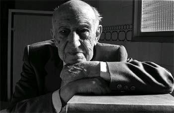 Antonio Domínguez Ortiz, fotografiado en 1998.
