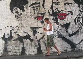 Grafiti en Rivington Street, frente al bar Cargo, en el área londinense de Brick Lane.