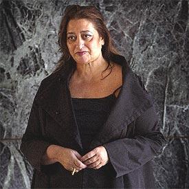 Zaha Hadid, en el pabellón Mies van der Rohe de Barcelona.