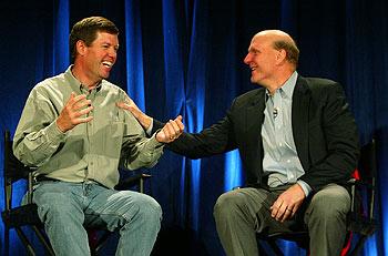 Scott McNealy (izquierda) con Steve Ballmer ayer, durante  una conferencia de prensa.rnrn rnrn