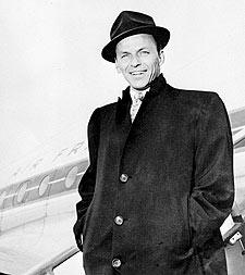 Frank Sinatra llega a París en abril de 1968