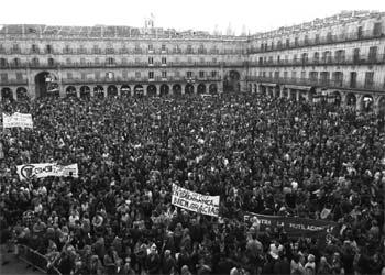 Manifestaciones en Salamanca por la permanencia del Archivo, en marzo de 1995.