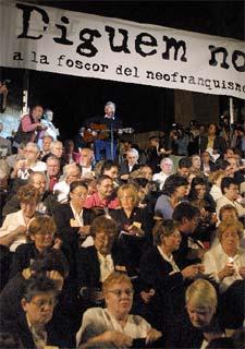 Manifestaciones en Barcelona por la devolución de documentos del mismo, en octubre de 2002.