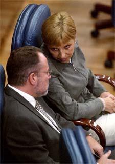 Eduardo Tamayo y María Teresa Sáez, en la Asamblea de Madrid.