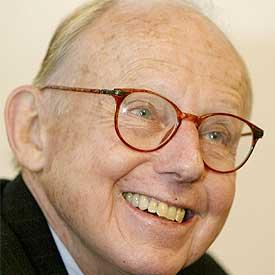 Samuel P. Huntington, profesor de la Universidad de Harvard.