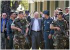 El general golpista Lino Oviedo, detenido tras regresar a Paraguay