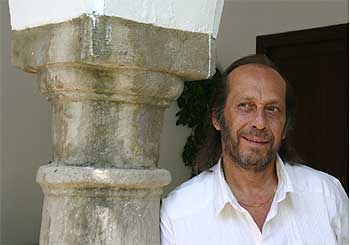 Francisco Sánchez Gómez (Algeciras, 1947), Paco de Lucía, en La Almoraima (Cádiz).