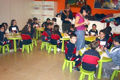 Niños en el Museo Pedagógico de Arte Infantil de la Facultad de Bellas Artes de la Complutense.
