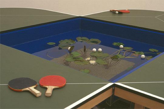 'Mesa de ping-pong' (2005), del mexicano Gabriel Orozco, que se expondrá en el Museo Reina Sofía.rnrnImagen de la exposición 'Iconofagias'.rnrnDetalle de 'Instalación', de Acamonchi, en la muestra 'Tijuana Sessions'.