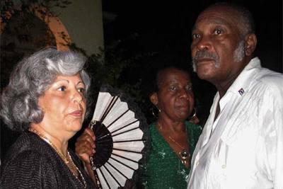 Martha B. Roque y Félix Bonne, en la celebración en La Habana de la fiesta nacional española en octubre pasado.