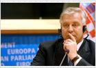 La UE no negociará la adhesión con Croacia hasta que colabore con La Haya