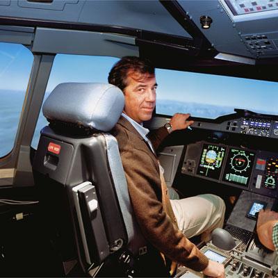 Fernando Alonso, piloto de pruebas e ingeniero aeronáutico