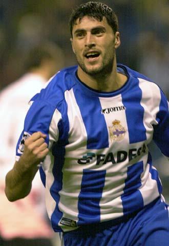 Diego Tristán celebra un gol.