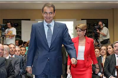 El presidente, José Luis Rodríguez Zapatero, y la ministra de Fomento, Magdalena Álvárez, en la presentación del PEIT.