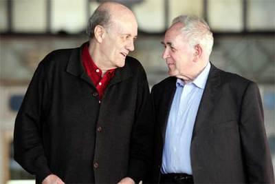 Los filósofos Ernst Tugendhat, derecha, y Javier Muguerza.